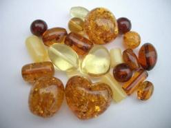 Amber: It is wonderful for your memory, intellect and making choices. It purifies your body, mind and spirit. It brings luck and protection and can even be burnt as incense to cleanse spaces. It is calming and balances yin/yang, helps abuse and negativity