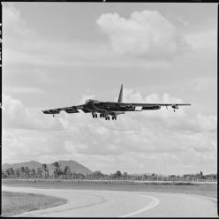 B-52 on final approach: B52 Bombers, Military Planes, Aircraft, Jet Planes, Flickr Plane, 1972 B52, B52 Buff, Photo