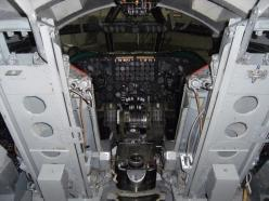 b-52-stratofortress-cockpit-920-52: News, American, Military Vehicles