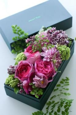 blog du I'llony! Gift of flowers.: Boxed Blooms, Flowers Gift, Flower Arrangements, Floral Arrangement, Flower Boxes