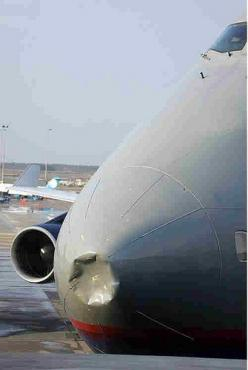 Boeing 747 - Nose dent: Airplanes Rockets, Airplane Mishaps, Airplane Crashes, Photo, Commercial Plane