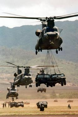 Boeing CH-47 Chinooks carrying military vehicles.: Army Strong, Army Boeing, Aerospace Helicopters, Military Helicopters, Military Vehicle, Ch 47D Chinooks, Ch 47 Chinook, Chinook Helicopters