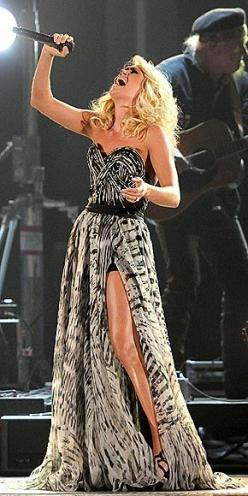 Carrie Underwood: Carrie Underwood Legs, Weight, Carrie Underwood Style, Carrie Underwood Dresses, Celebs, Famou, Carrie Underwood Fashion, Underwood Cmas