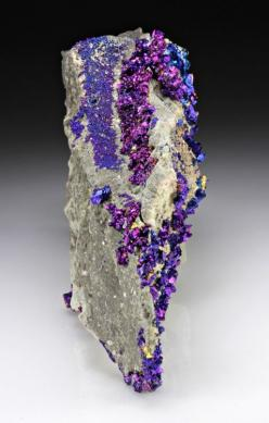 Chalcopyrite and Dolomite. I actually have a chalcopyrite sample from Mexico! such a pretty mineral.: Rocks Gems Crystals, Rocks Fossils Minerals, Gemstones Minerals, Gems Minerals, Rocks Minerals, Beautiful Rocks, Crystals Gemstones, Birthday Cake