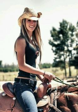 Country girl: Senior Pictures, Cowboy, Horses, Country Girls, Sexy Cowgirls, Photo, Paige Wyatt