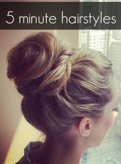 Easy hairstyle you can do in 5 minutes -: Hair Ideas, Messy Bun, Hairstyles, Hairdos, Hair Styles, Min Hairstyle, Minute Hairstyle, Updo