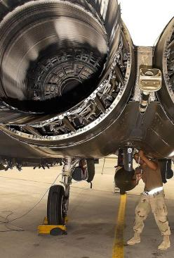 # F15E Strike Eagle. Found on: http://lahoriblefollia.tumblr.com/post/88191240401 ... #Airborne: F15E Strike, Engine Mechanical, Harware Rockets Jets, F 100 Engine, Eagle Engine