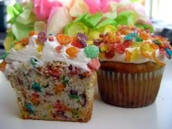 Fruity Pebble Cupcakes THE BEST CUPCAKES KNOWN TO MAN KIND: Cuppycake, Recipe, Food, Sweet Tooth, Pebbles Cupcakes, Kid, Dessert, Fruity Pebble Cupcakes