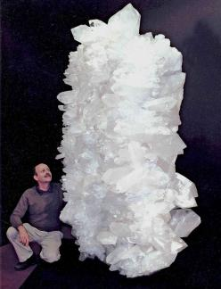 Giant quartz cluster via Sabrina Jordan. OK this is the largest quartz I've ever seen: Crystals And Minerals, Nature, Geology Minerals Quartz, Giant Quartz, Rocks Minerals Gems, Quartz Cluster, Rocks Minerals Crystals, Rocks Gems Minerals, Gemstone Mi