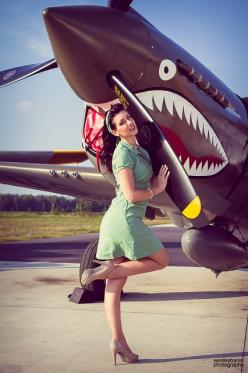 Girl with world war 2 bird: Nose Art, Aviation, Pinups, P40 Warhawk, Pinup Girls, Noseart, Pin Ups, Pin Up Girls