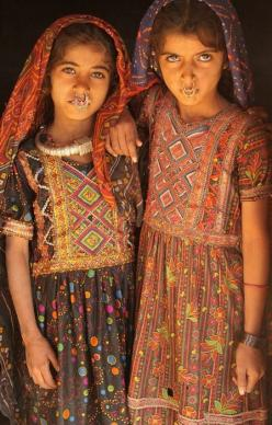 Girls from the Jat tribe, a hidden tribe in Gujarat, India. Photo by Retlaw Snellac.: Face, Dhaneta Jat, Jat Tribe, Jat Girls, Gujarat India, Hidden Tribes, Photo, People, Culture