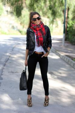 I can't get enough of this. Plaid, leather, and leopard! Also, the oversized glasses and cute ponytail add so much to the outfit.: Outfits, Fashion, Leopard Print, Street Style, Leather Jackets, Fall Winter, Plaid Scarf