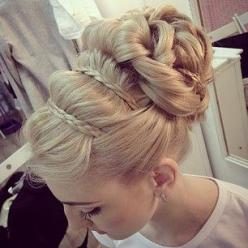 I should've done this for graduation! But I got told to wear my hair down! lol But this is soo gorgeous!: Hairstyles, Wedding Hair, Hair Styles, Hairdos, Wedding Updo, Makeup, Updos, Braided Bun