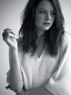 I think she is so pretty. I love how simple this photo is.: Girls, Girl Crushes, Emma Stone, Stones, Beautiful People, Hair Length, Women