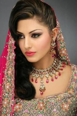 indan bidemaids  | Make a note that all the Wedding Hairstyles for Indian Brides ...: Fashion, Beautiful, Bridal Makeup, Brides, Hairstyle, Indian Bridal, Beauty, Indian Wedding, Indian Bride