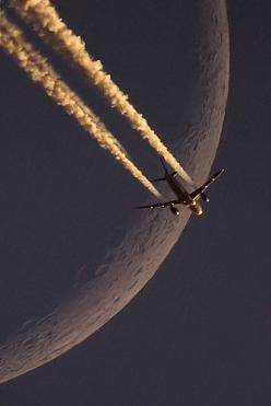 LH A320 vs Moon   Flickr - Photo Sharing!: Picture, Photos, Aviation, Fly, Airplane, Aircraft, Lh A320, Photography, The Moon