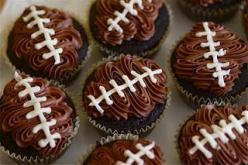 Looks easier than the strawberries and equally delicious!  Ha!: Super Bowl, Sweet, Superbowl, Food, Footballcupcakes, Football Party, Party Ideas, Football Cupcakes, Dessert