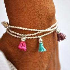 Love this DIY inspiration! Delicate lovely bracelet is made of tiny oval fresh water pearls with sterling silver beads and a silk tassel to give it a little spot of color. Perfect stacking bracelet.: Vivien Frank, Bracelets, Pearls, Water Pearl, Tassels,