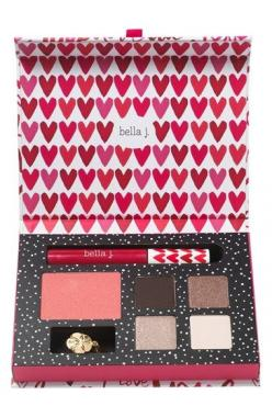 love this eye, lip & cheek palette http://rstyle.me/n/uf4zvr9te: Gift, Nordstrom Exclusive, Makeup, Palette Nordstrom, Lips, Nice, Eyes