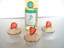 Moscato Cupcakes! I officially have an obsession with alcohol infused baked goods.: Recipe, Food, Sweet Treats, Sweet Tooth, Baked Goods, Yummy, Moscato Cupcakes, Dessert, Brooke Bakes