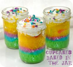 Okay, I could have put this in Desserts board, but the colors grabbed me first, but now I am drooling!: Birthday, Recipe, In A Jar, Cupcakes Baked, Food, Party Idea, Jars