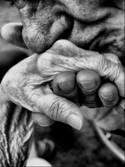 Old couples know the ways of love 20 years from now if we are still around <3: Photos, Picture, Kiss, Hands, Art, Beautiful, True Love, Photography
