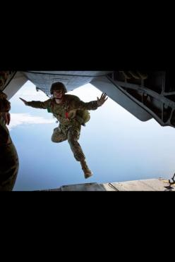 Paratroopers - Now this is BRAVE!: Helicopter, Clouds, Photos, Ii Marine, Marines, Floating, Marine Corps, Usmc, Military