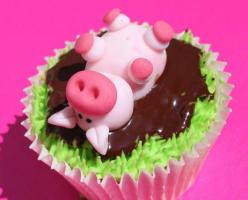 Pig Cupcakes - great for little kids! That will also help them learn some things about the animals. Oink oink!: Cup Cakes, Mud Cupcake, Idea, Sweet, Food, Pigs, Pig Cupcakes, Piggy Cupcake, Piglet