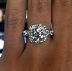 precious-in-pearls: thereaganrevolution: kailynamandalee: OMG hey, future wife. I have something for you.: Wedding Ring, Huge Engagement Rings, Dream Ring, Jewelry Rings Engagement, Halo Engagement Rings, Rings Jewelry Engagement, Halo Rings Engagement, E