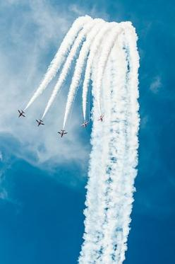 Red Arrows: Cloudscape Skyscape, Skyscape Www Lumick Nl, Red Arrow, Photo