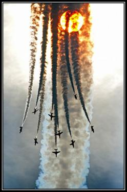Red Arrows: Poetry in Motion...: Airplanes Jets, Red Arrows, Amazing Red, Airplanes Someday, Aircraft Aviones, Sunset, Arrows Shot