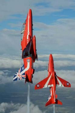 Red Arrows: Red Arrows, Raf Red, Military Aircraf, Air Display, Amazing Aircraft, Fighter Jets, Painted Aircraft