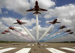 Red Arrows Starburst -=- Stunning & Impressive !!: Force Aerobatics, Red Arrows, Raf Red, Air Force, Aircraft, Planes, Photo