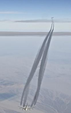 Saudi 747-400 contrail: Photos, Flying, 747 400 Contrail, Saudi 747 400, Heading Westbound, 36000 Feet, 1000 Feet