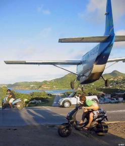 St. Bart's Airport approach, this is not a staged picture, this is real, and yes, real crazy!!: St Barth, Aviation, Airports, St Barts, Photo, Close