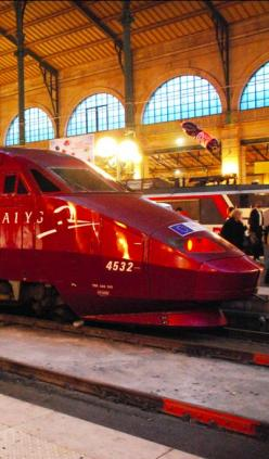Thalys train at Gare du Nord station in Paris • photo: Pablo Fernando Cepero on Flickr: Airplanes Trains Station, Paris Photos, Gare Du Nord Paris, Paris France Photos, Trains Rails Stations, Paris Gare Du Nord, Paris Train Station