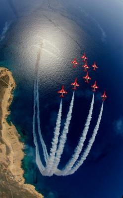 The Red Arrows: Aviation Photos, Red Arrows, Planes Flying Stuff, Sky, Awesome Airplanes, Aircraft, Amazing Pictures Photos, Photography