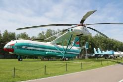 The world's biggest helicopter. Mil V-12/Mi-12: Biggest Helicopter, A Helicopters, Airplane, Aircraft, Helicopters Hubschraubers, Helicopters Gyros, Built, Futuristic Helicopter