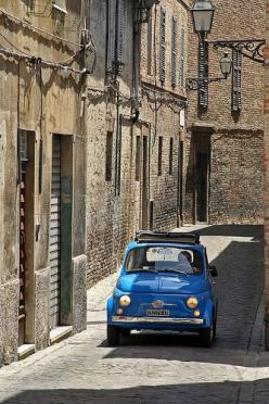 They stopped making great little cars and they also stopped making great little narrow roads.: Photos, Cars, Roby Ferrari, Cars Ferrari, Fiat 500, Fiat500, F F F Fiat