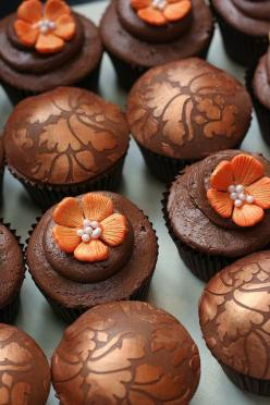 This Pin was discovered by Merry lork. Discover (and save!) your own Pins on Pinterest. | See more about autumn cupcakes, cupcakes chocolate and orange flowers.: Cup Cakes, Food, Wedding Cupcakes, Clarescupcakes Co Uk, Autumn Cupcakes, Fall Cupcakes, Brow