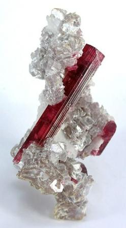 Tourmaline -associated with the heart chakra. Emotional balancer and cleanser  Alleviates stress and obsessive behaviour  Assists in changing patterns to better align with spiritual growth  Radiates kindness, tolerance: Gemstones, Crystals Gems, Gem Stone