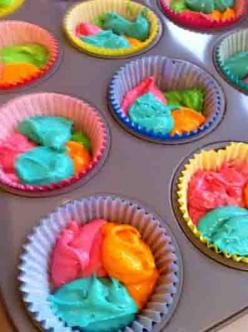 "When I asked R (3) what he would like to do today, his response was immediate and loud - ""MAKE CUPCAKES!"" Ok then! When it came time to decide what colour they should be, the response was a little ...: Cupcake Tutorial, Cupcakes Pan2, Colorful Cup"