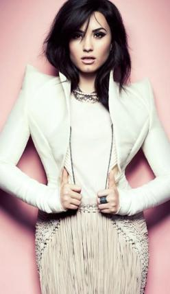 White Chic ♥ Demi Lovato: Demilovato, Style, Celebrities, Demetria Lovato, Fashion Magazines, Demi Lovato, People, Lovatic
