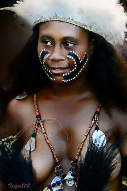 Woman from Papua New Guinea Faces of people of the world. Beautiful: Young Woman, Girl, Faces, Papuanewguinea, Young Women, People, Photo, Culture, Papua New Guinea