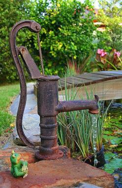 Would love to get my hands on a vintage hand pump like this that still works . . .: Water Features, Waterpump, Garden Ponds, Backyard, Garden Pump, Water Pumps