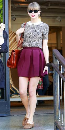 Black shades, black spotted sleeved top, plum coloured skirt, brown sandals and a red vintage bag...: Beverly Hills, Taylor Swift, Fashion, Taylorswift, Street Style, Outfit, Swift Style, Peter Pan