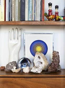 Bohemian Homes: Crystals and books - Bohemian Homes  check out www.thebohemianinme.com for more bohemian inspiration: Interior Design, Vignettes, Books, Chairs Comfy Interiors, Crystals Minerals, Covetgarden Vignette, Collection, Space, Crystals Stones Fo