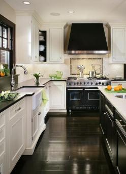 FABULOUS BLACK AND WHITE KITCHEN... I will have this kitchen but with gray walls: Interior, Black And White, Kitchen Design, Kitchen Ideas, White Kitchens