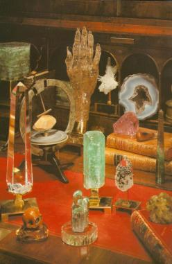 FROM: Photo of P Gaye Tapp little augury curiosities: Brazil, Crystals Stones, Stones Gems Rocks Minerals, Quartz Display, Crystal Altars, Crystal Magic, Photo, Gemstones 1972