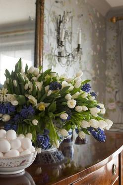 I love the white tulips with blue hyacinths. They are very elegant looking!  Flowers make me happy!: Easter, Blue Hyacinth, Beautiful, Flower Arrangements, White Tulips, Floral Arrangements, Flowers, Spring, Blue And White